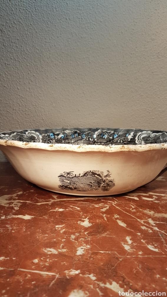 Antigüedades: Fuente de loza de la fábrica La Amistad, Cartagena, finales del s. XIX - Foto 5 - 170001630