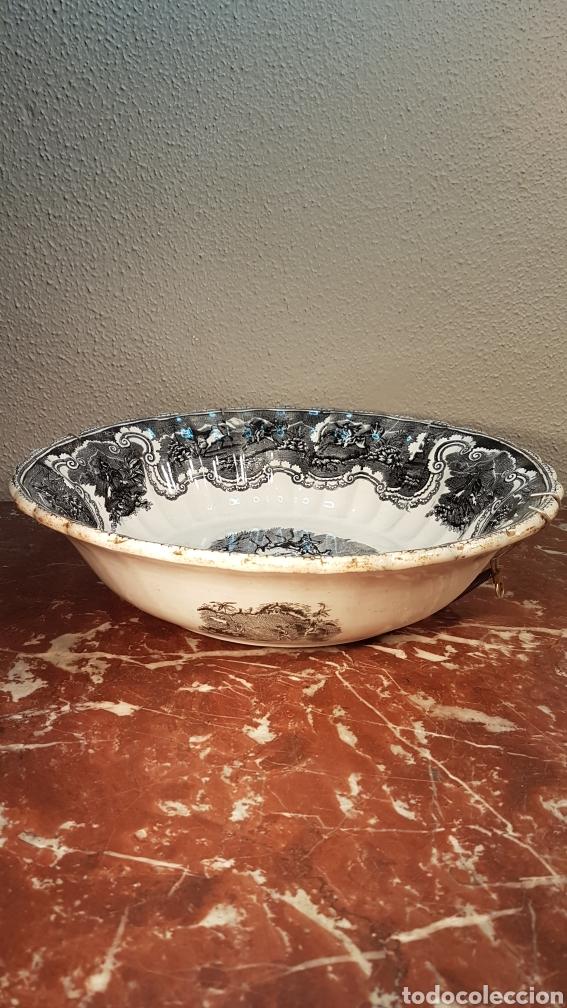 Antigüedades: Fuente de loza de la fábrica La Amistad, Cartagena, finales del s. XIX - Foto 6 - 170001630