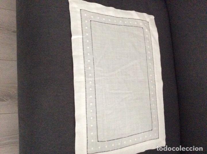 Antigüedades: Tapete de hilo con vainicas y bordado de bodoques. Siglo XX - Foto 7 - 170014568