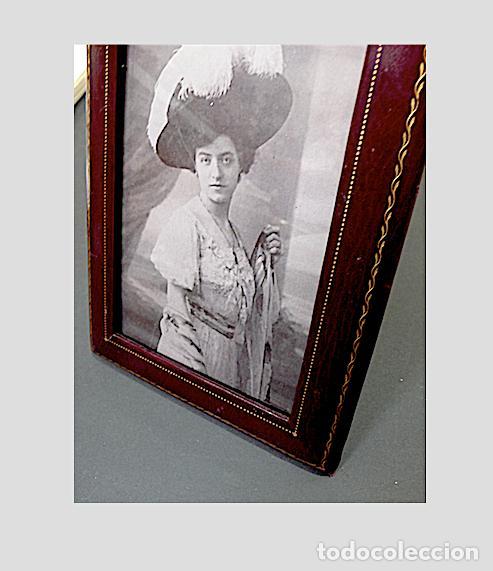 Antigüedades: PORTAFOTOS ANTIGUO EN PIEL CON EL BORDE EN ORO - Foto 3 - 170087300