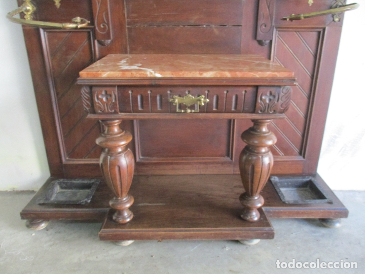 Antigüedades: Antiguo Mueble Recibidor Alfonsino - Paragüero de Nogal - Espejo - Perchas y Decoraciones en Bronce - Foto 8 - 180452223