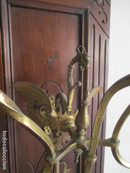 Antigüedades: Antiguo Mueble Recibidor Alfonsino - Paragüero de Nogal - Espejo - Perchas y Decoraciones en Bronce - Foto 12 - 180452223