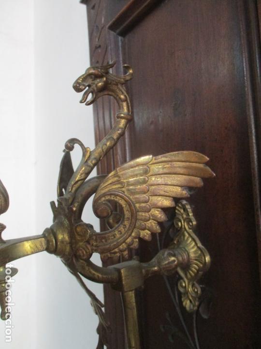 Antigüedades: Antiguo Mueble Recibidor Alfonsino - Paragüero de Nogal - Espejo - Perchas y Decoraciones en Bronce - Foto 13 - 180452223