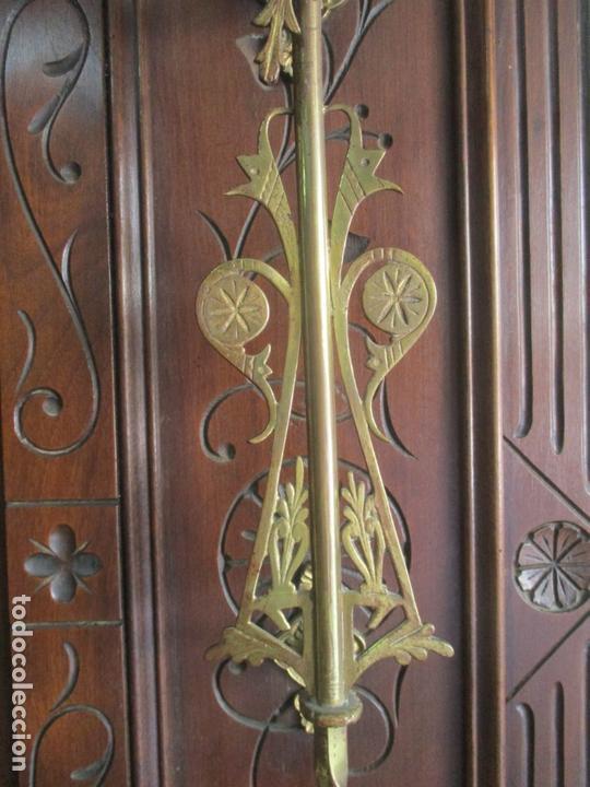 Antigüedades: Antiguo Mueble Recibidor Alfonsino - Paragüero de Nogal - Espejo - Perchas y Decoraciones en Bronce - Foto 16 - 180452223