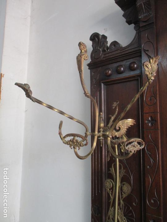 Antigüedades: Antiguo Mueble Recibidor Alfonsino - Paragüero de Nogal - Espejo - Perchas y Decoraciones en Bronce - Foto 18 - 180452223