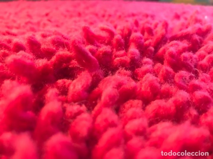 Antigüedades: antigua alfombra anudada a mano con lana larga 130x69 cm pcos s 20 excelente granate - Foto 4 - 170232384
