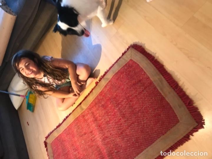 Antigüedades: antigua alfombra anudada a mano con lana larga 130x69 cm pcos s 20 excelente granate - Foto 9 - 170232384