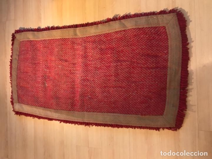 Antigüedades: antigua alfombra anudada a mano con lana larga 130x69 cm pcos s 20 excelente granate - Foto 10 - 170232384