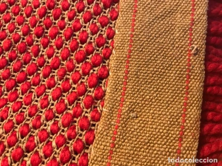 Antigüedades: antigua alfombra anudada a mano con lana larga 130x69 cm pcos s 20 excelente granate - Foto 17 - 170232384