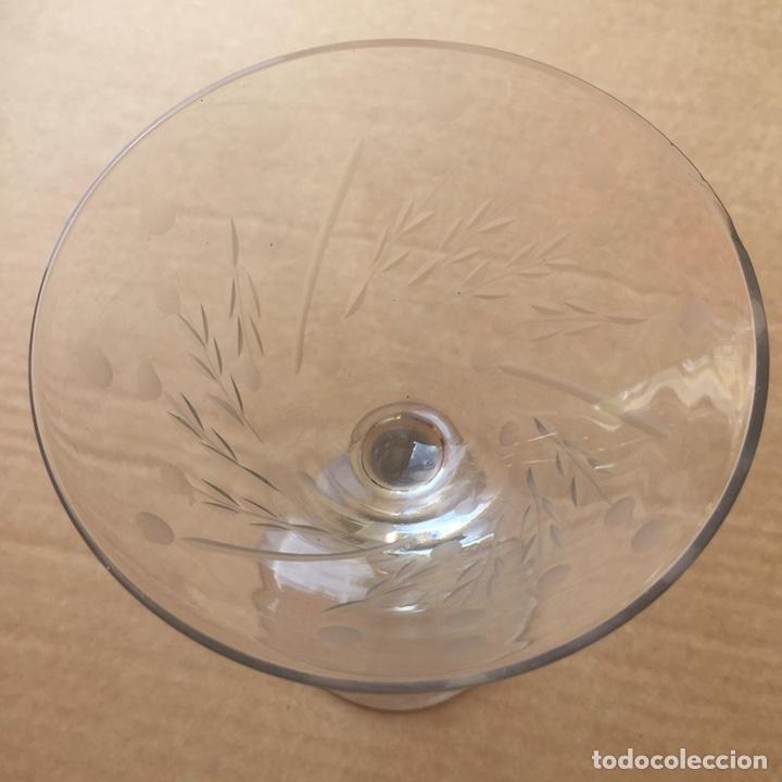 Antigüedades: Cristalería Antigua 47 copas + botella y jarra en cristal fino tallado - Foto 7 - 170263518