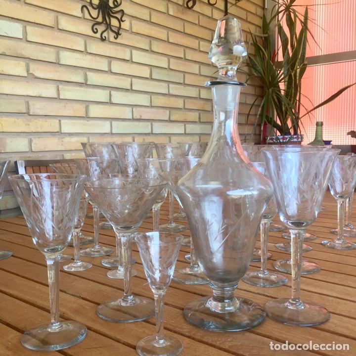 Antigüedades: Cristalería Antigua 47 copas + botella y jarra en cristal fino tallado - Foto 9 - 170263518