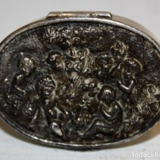 Antigüedades: CAJITA PASTILLERA EN PLATA LEY DE APROXIMADAMENTE 1900. Lote 170268468