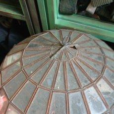 Antigüedades: GLOBO DE CRISTAL Y METAL. Lote 170296560
