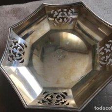 Antigüedades: BONITA BANDEJA , BAÑADA EN PLATA Y PUNZONADA . Lote 170313880
