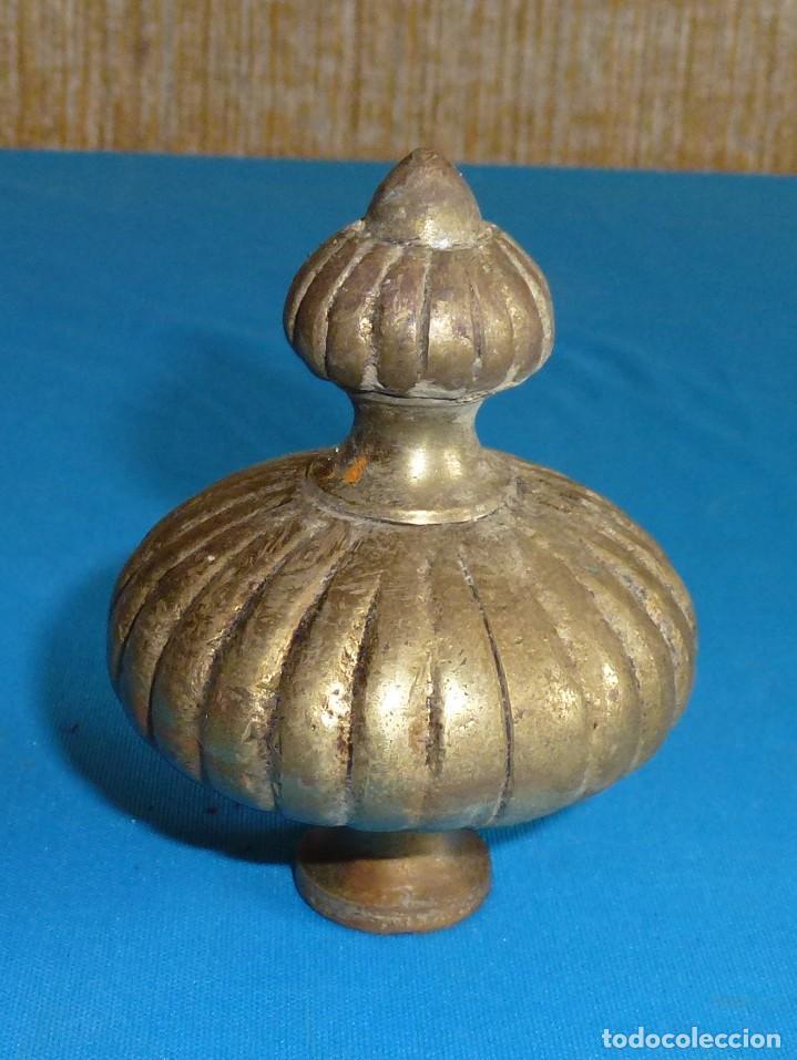 Antigüedades: Remate inferior pieza de bronce para lampara.Robusto - Foto 2 - 170319352