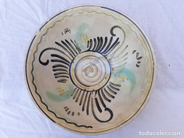Antigüedades: CUENCO GRANDE ANTIGUO EN CERAMICA DE PUENTE DEL ARZOBISPO ( TOLEDO ) - Foto 2 - 170376676
