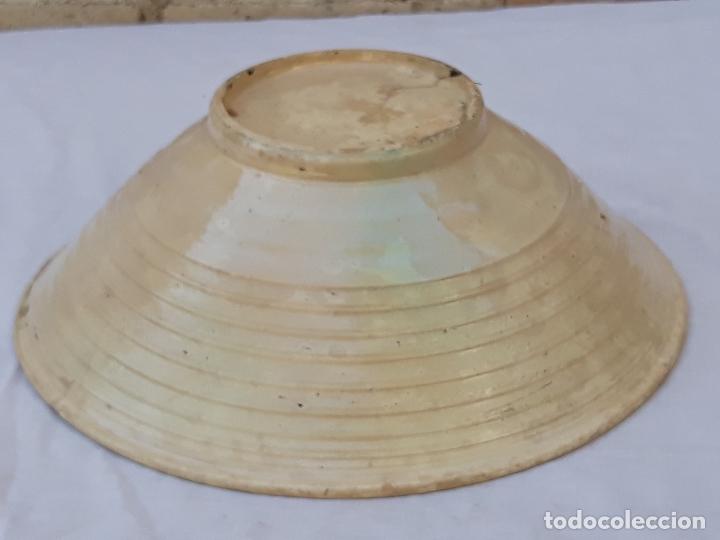 Antigüedades: CUENCO GRANDE ANTIGUO EN CERAMICA DE PUENTE DEL ARZOBISPO ( TOLEDO ) - Foto 4 - 170376676