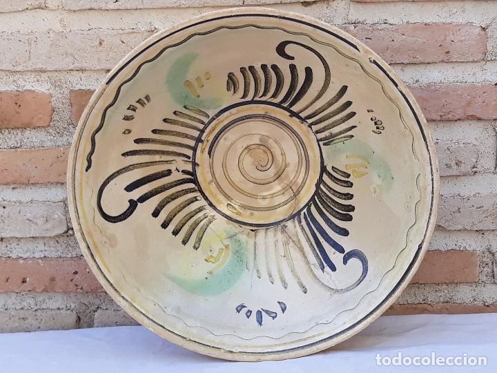 Antigüedades: CUENCO GRANDE ANTIGUO EN CERAMICA DE PUENTE DEL ARZOBISPO ( TOLEDO ) - Foto 8 - 170376676