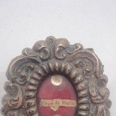 Antigüedades: ANTIGUO RELICARIO VIRGEN DE REGLA CHIPIONA.PLATA.TELA.SIGLO XIX?. Lote 170378016