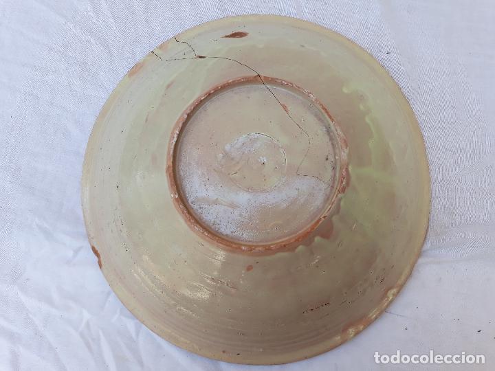 Antigüedades: CUENCO GRANDE ANTIGUO EN CERAMICA PINTADA Y VIDRIADA DE PUENTE DEL ARZOBISPO ( TOLEDO ) - Foto 8 - 170433732