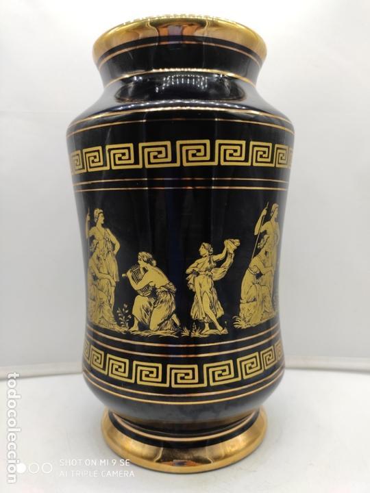 Antigüedades: Excelente jarron antiguo en porcelana elaborado en grecia y pintado en oro de 24 quilates. - Foto 5 - 170438948