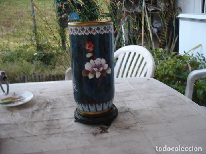 Antigüedades: precioso florero en bronce y esmalte cloisonne gran dimension ver fotos y descripccion - Foto 2 - 170466660