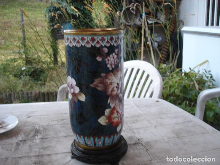 Antigüedades: precioso florero en bronce y esmalte cloisonne gran dimension ver fotos y descripccion - Foto 3 - 170466660