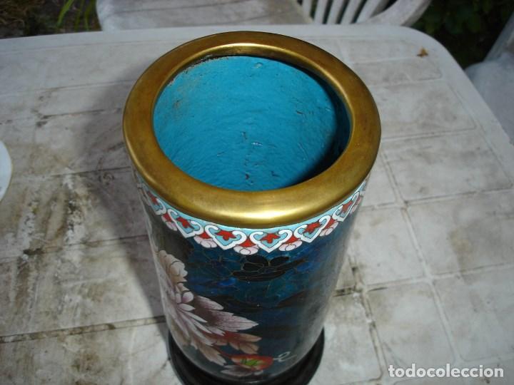 Antigüedades: precioso florero en bronce y esmalte cloisonne gran dimension ver fotos y descripccion - Foto 5 - 170466660