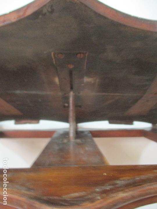 Antigüedades: Curiosa Mesa de Centro, Atril - Isabelino - Madera de Cerezo - Mecanismo a Manivela - S. XIX - Foto 13 - 170519196