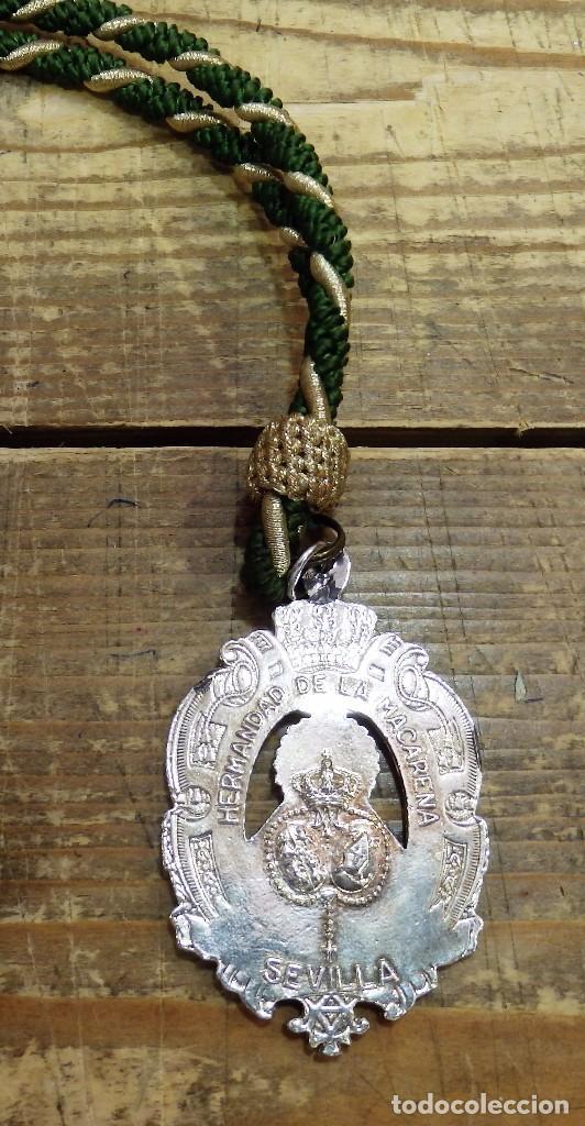 Antigüedades: SEMANA SANTA SEVILLA, MEDALLA CON CORDON HERMANDAD DE LA MACARENA - Foto 2 - 170540382
