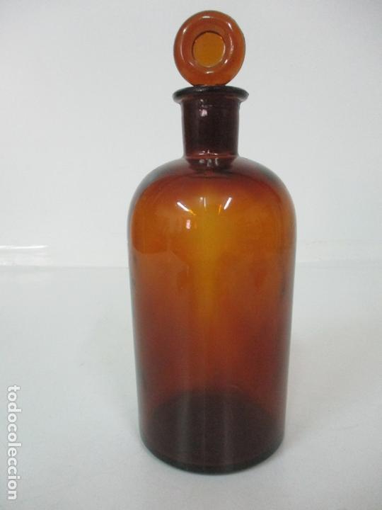 ANTIGUO BOTE DE FARMACIA - CRISTAL, COLOR AMBAR - CON TAPÓN ORIGINAL - 26 CM ALTURA (Antigüedades - Cristal y Vidrio - Farmacia )