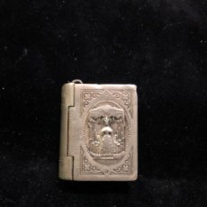 Antigüedades: FANTASTICO RELICARIO GUARDAPELO DE PLATA DE LA ESPERANZA MACARENA - SEMANA SANTA SEVILLA. Lote 170756620