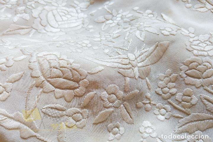 Antigüedades: Mantón antiguo bordado a mano con motivos de naturaleza - Foto 19 - 170923360