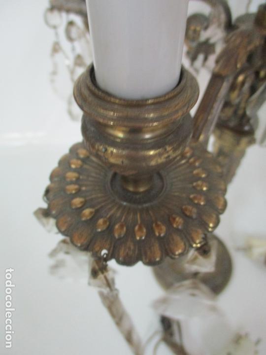Antigüedades: Preciosa Pareja de Candelabros - Candelabro en Bronce Cincelado y Cristal - 5 Luces - 59 cm Altura - Foto 10 - 170953978
