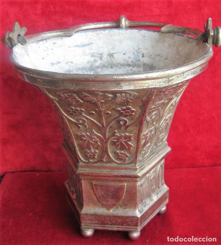 Antigüedades: ACETRE EN PLATA CON SIMBOLOGIA RELIGIOSA - Foto 3 - 199037421