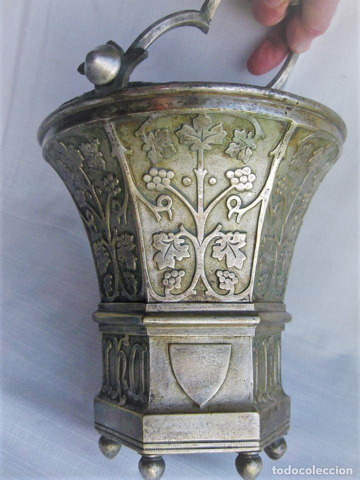 Antigüedades: ACETRE EN PLATA CON SIMBOLOGIA RELIGIOSA - Foto 10 - 199037421