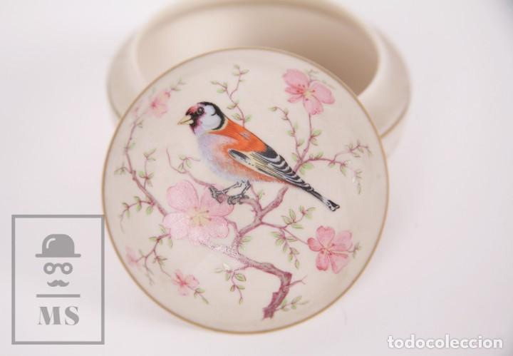 Antigüedades: Cajita de Porcelana Biscuit - Cerámica Ibis. Aveiro, Portugal - Medidas 9,5 x 9,5 x 6 cm - Foto 2 - 171015002