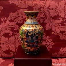 Antigüedades: ANTIGUO JARRON CHINO EN CLOISONNE CON MOTIVOS FLORALES - 12,5 CM. Lote 83491424