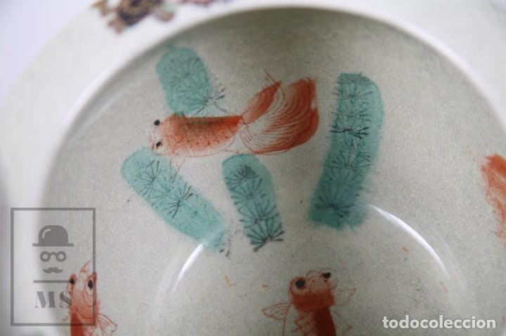 Antigüedades: Macetero de Porcelana China con Decoración Artesanal - Aves y Flores, Dorado y Ocre - Altura 13,5 cm - Foto 5 - 171017979