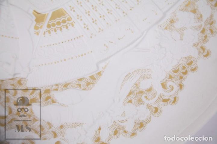 Antigüedades: Plato Decorativo de Porcelana Biscuit - Alboth Kaiser / AK - Rhapsodie - Alemania - Diám. 28 cm - Foto 4 - 171020285