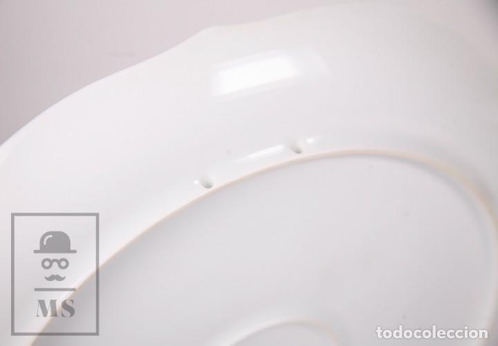 Antigüedades: Plato Decorativo de Porcelana Biscuit - Alboth Kaiser / AK - Rhapsodie - Alemania - Diám. 28 cm - Foto 9 - 171020285
