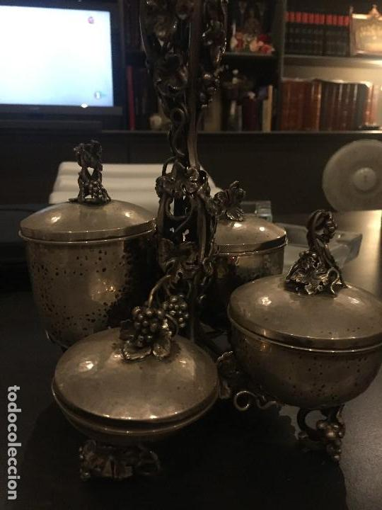 Antigüedades: Extraordinario especiero en plata con ornamentos frutales, aprox. 20x20 cms - Foto 4 - 171023684