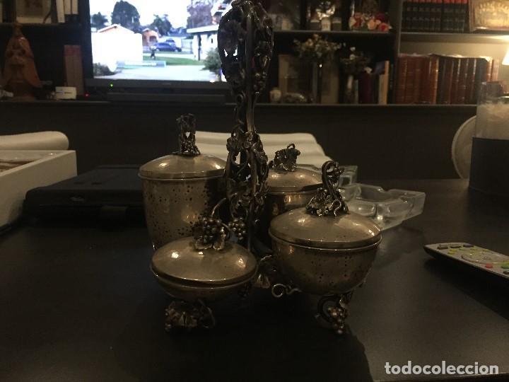 Antigüedades: Extraordinario especiero en plata con ornamentos frutales, aprox. 20x20 cms - Foto 5 - 171023684