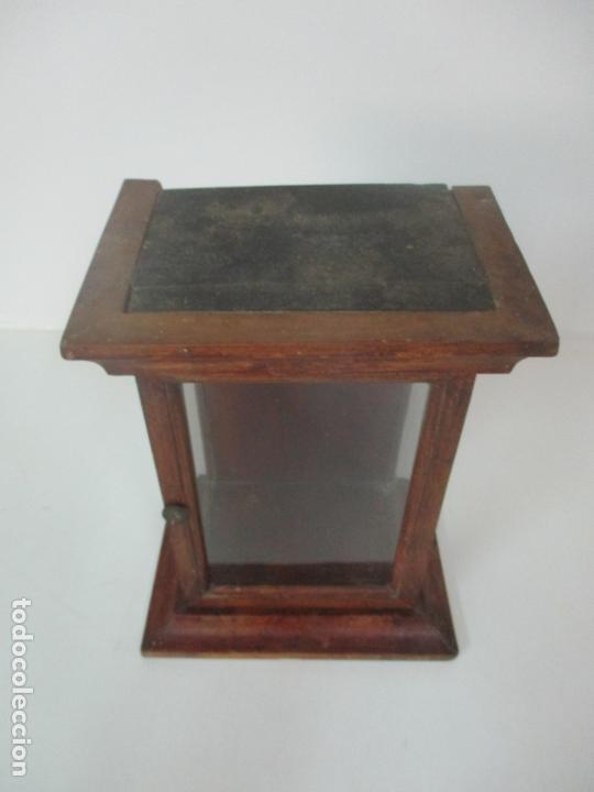 Antigüedades: Pequeña Vitrina Antigua - Capilla para Virgen, Santo - Madera de Nogal - 35 cm Altura - S. XIX - Foto 9 - 171079135