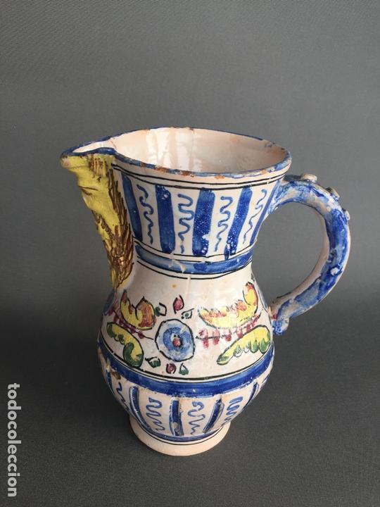 Antigüedades: ANTIGUA JARRA DE PUENTE DEL ARZOBISPO , PINTADA A MANO Y FIRMADA J.A. - Foto 2 - 171094980