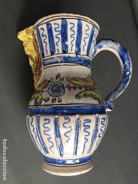 Antigüedades: ANTIGUA JARRA DE PUENTE DEL ARZOBISPO , PINTADA A MANO Y FIRMADA J.A. - Foto 6 - 171094980