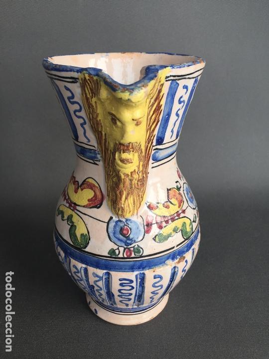 ANTIGUA JARRA DE PUENTE DEL ARZOBISPO , PINTADA A MANO Y FIRMADA J.A. (Antigüedades - Porcelanas y Cerámicas - Puente del Arzobispo )