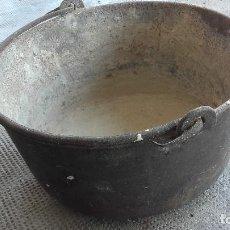Antigüedades: CALDERO EN HIERRO COLADO. Lote 171107100