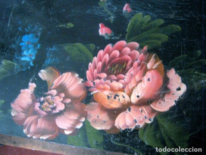 Antigüedades: 53 cm - Bella caja arca baúl chino trapezoidal - lacado con pintura flores camelias - Foto 4 - 171137067