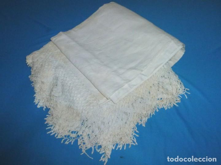 Antigüedades: Sábana,funda de almohada y 2 almohadones de lino con encaje de bolillos. - Foto 5 - 171151422